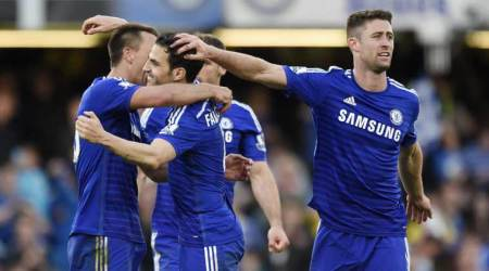 Chelsea go 10 points clear on top after beating United