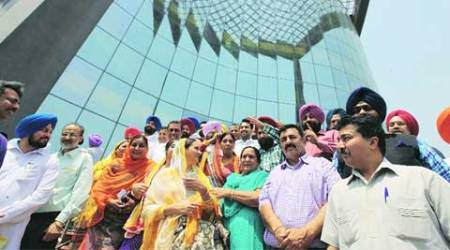 49 Mohali councillors take oath but not clear which party getsmajority