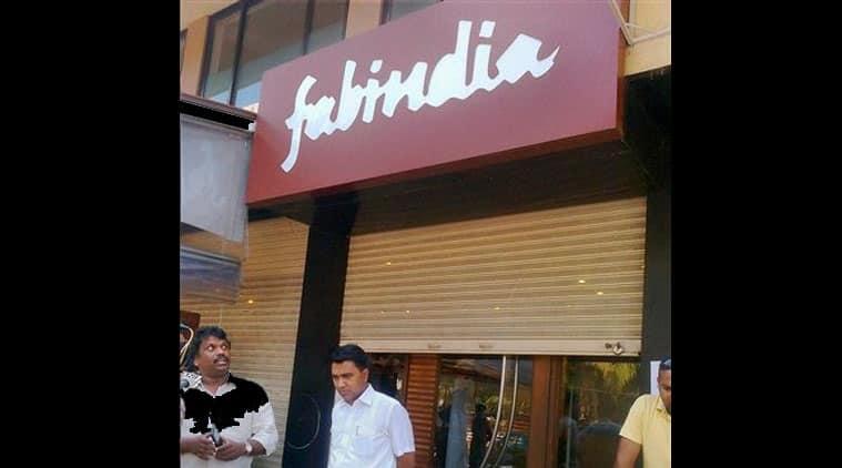 fabindia, fabinida candolim, smriti irani fabindia