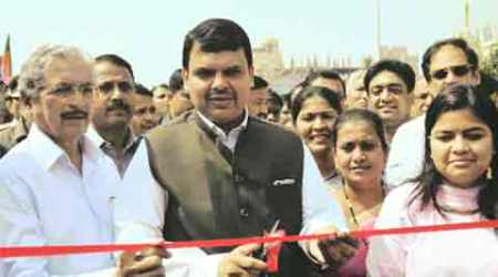North arm of Kherwadi flyover opened, CM lays foundation for BKC-EEH road link