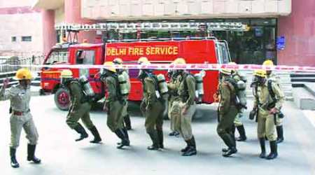 Mumbai fire, Mumbai chawl fire, Mumbai garment shop fire, mumbai news, india news, latest news, indian express