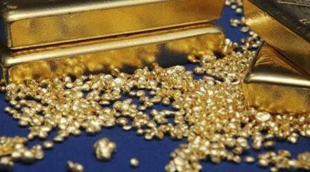 Gold prices hit five-year low on Chinese sell-off