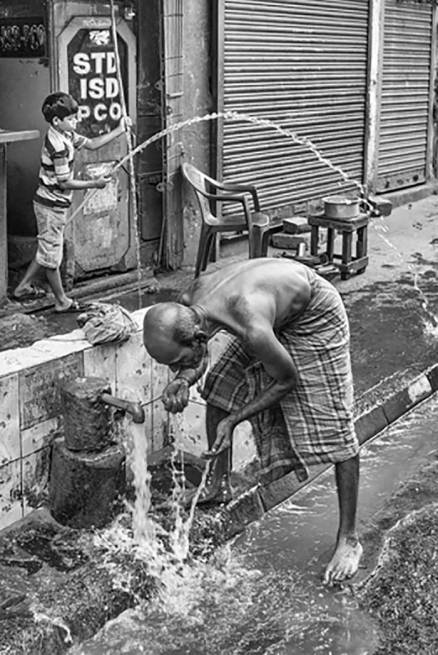 India Calling: Photographer Craig Semetko's exhibition captures the humour and irony on Indian streets