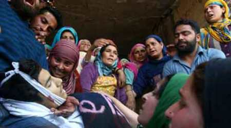kashmir_protest_victim_480