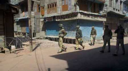 tral, tral shoot out, indian army, indian army encounter, kashmir encounter, tral encounter, civillian shot dead, indian army shot civillian, srinagar news