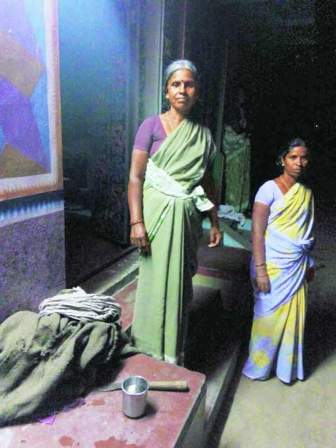 The witness Sekhar's sister-in-law Padma (left) and his niece. (Express Photo by: Arun Janardhanan)