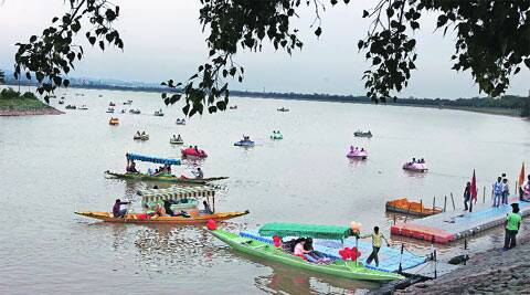 lake-m
