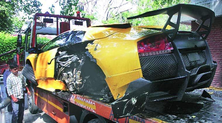 lamborghini, lamborghini crash, lamborghini crash delhi, india gate crash, india gate lamborghini crash, delhi police, delhi news