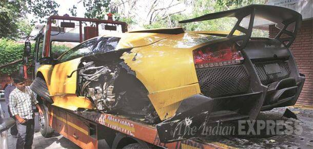 How to wreck a Rs 4-crore Lamborghini