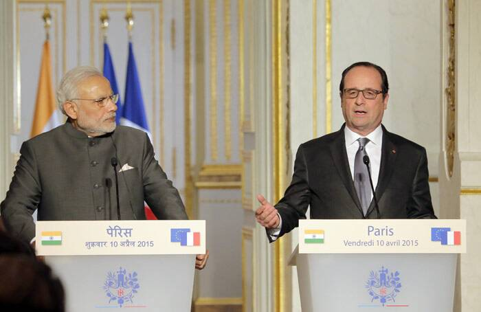 Rafale deal, Dassault, Modi in France, Narendra Modi, France, Francois Hollande, Modi Rafale deal, Modi Dassault, Indian Air Force