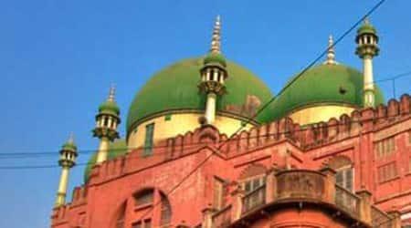 mosque, lucknow mosque, Barelvi sect, Deobandi sect, lucknow muslims sect clashes, muslim sect clashes lucknow, uttar pradesh news, lucknow news, india news, latest news