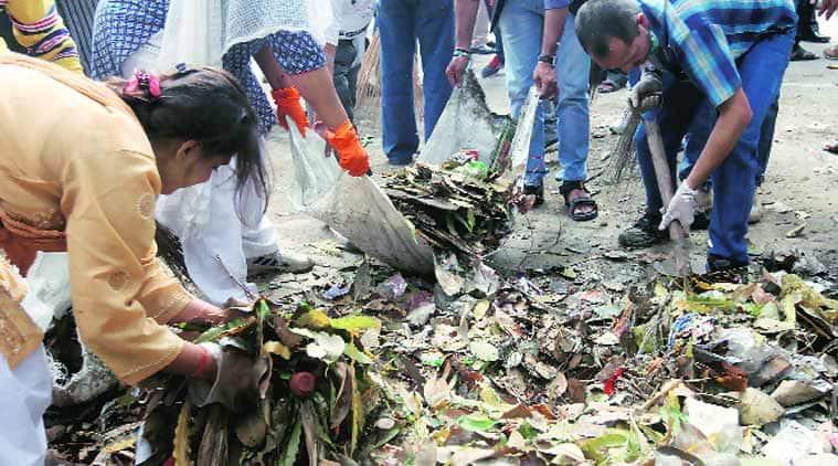 sanitation workers faridabad, sanitation workers protest faridabad, sanitation workers, safai karamchari, faridabad, indian express news