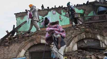 Nepal Earthquake: Slow rescue ops force angry citizens to dig for loved ones