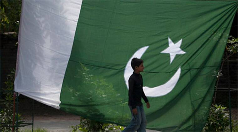 Pakistan flags in Kashmir, Pakistan flags, geelani, Syed Ali Shah Geelani, Hurriyat Conference, Hurriyat latest news, J&K, kashmir, jammu & kashmir, breaking news