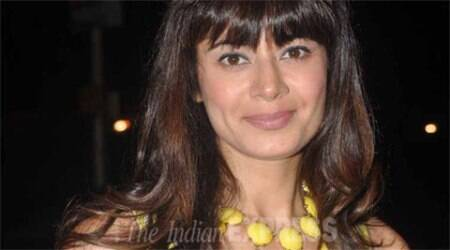 Pooja Batra makes debut in Punjabi films