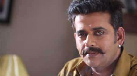 Ravi Kishan to play fading superstar in 'Bombairiya'