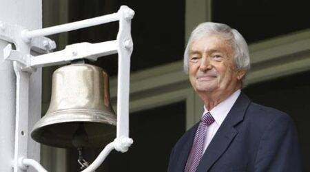 In cricket's hyperenergetic new era, Richie Benaud knew to play the pause