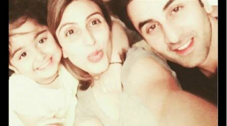 Siblings Ranbir Kapoor, Riddhima Sahni's selfie with Samara