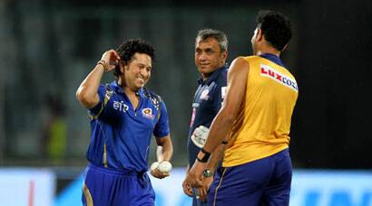 On Sachin Tendulkar's birthday eve, Yuvraj Singh, Harbhajan Singh reunite with the legend; DD beat MI