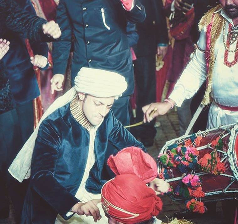 how to dance on dhol