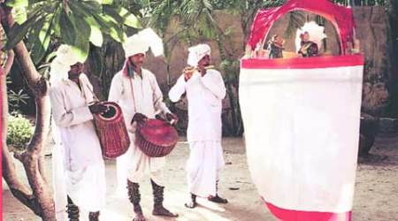 santhals, santals, shantiniketan, shantiniketan santhals, shantiniketan santals, santal exhibition, santhal exhibition, santal music exhibition, santhal music exhibition, delhi exhibition, talk