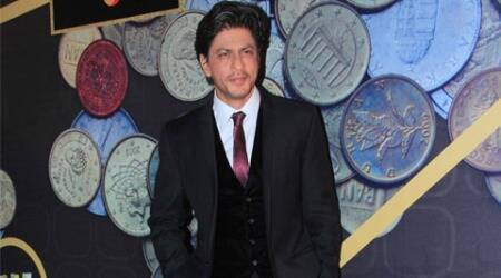 shah rukh khan, kashmir shoot, srk kashmir again, shah rukh khan kashmir shoot, srk kashmir, srk cm mufti mohammad, srk jab tak hai jaan, srk grandmother kashmir origin, king khan movies in kashmir, shah rukh khan kashmir again, yash chopra srk film, bollywood news, entertainment news
