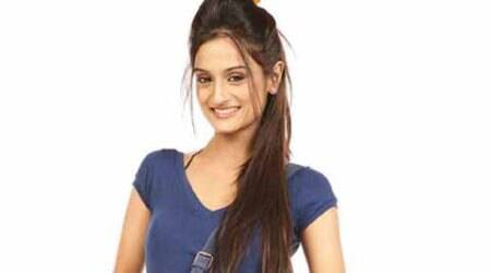 Shalini Sahuta, Total Nadaniyaan