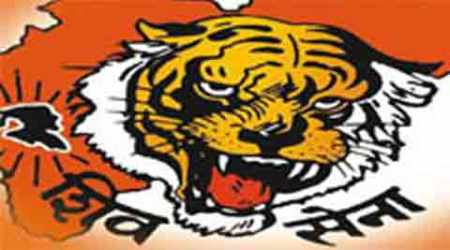 After Sudheendra Kulkarni, Shiv Sena workers blacken RTI activist's face