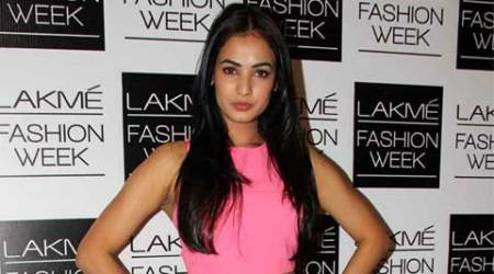 Sonal Chauhan lands special role in 'SizeZero'
