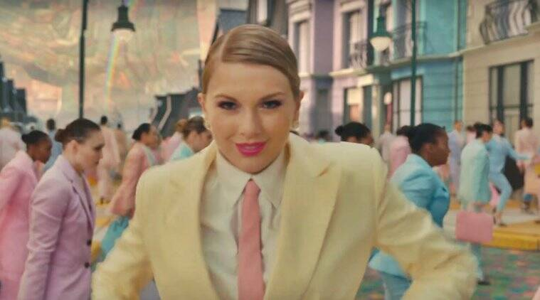Taylor Swift Releases New Song 'me'