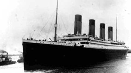 Titanic deckchair sells for 100,000 pounds at UK auction