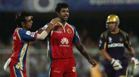 In absence of Mitchell Starc, Varun Aaron set to spearhead RCB's bowlingattack