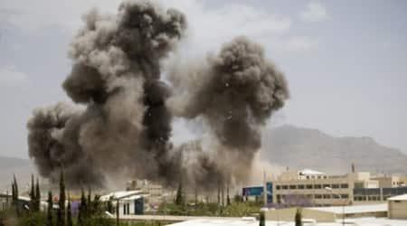 Yemen: 5 dead as Saudi shells hit humanitarian aidoffice
