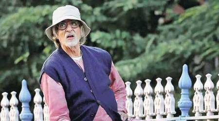 Amitabh Bachchan clarifies he is fit and fine