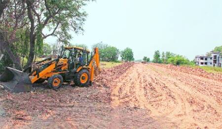 HC extends stay on laying of road leading to Badals' resort