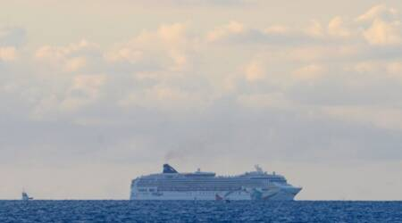 Freed from reef off Bermuda, cruise ship awaits inspection