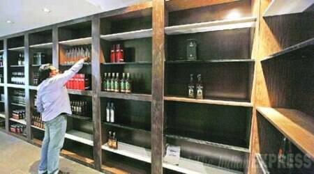 Kerala: Congress welcomes Supreme Court's verdict on new liquor policy
