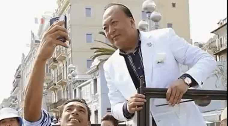 China billionaire biggest vacation, Vacation, China, Vacation in Paris, China billionaire, Li Jinyuan, Chinese billionaire, Chinese Billionaire trip, Tiens Group, France trip, China, France, Chinese billionaire, Chinese employees taken for France trip, company takes employees for France trip,