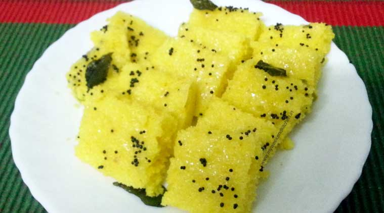 Tea time snack try making these yummy healthy sooji dhoklas the dhokla main forumfinder Choice Image
