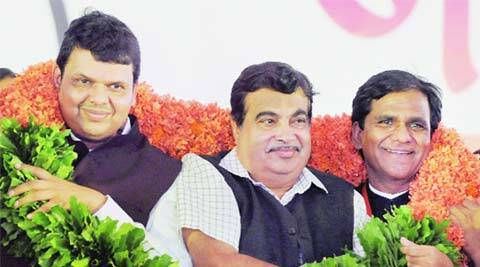 Niitn Gadkari, Devendra fadnavis, Gadkari in kolhapur, BJP, Congress, land acquisition law, VMC polls, mumbai news, city news, local news, maharashtra news, airlines news, Indian Express