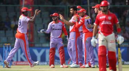 With little help from Zaheer, Coulter-Nile sinks KXIP