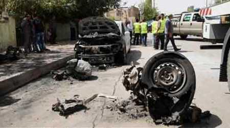 Two car bombs in Iraq; 10 killed, 27 injured