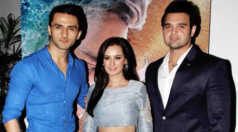 evelyn sharma, Mahaakshay Chakraborty, Mohit Dutta, ishqedarriyaan, mohit parallel role ishqedarriyaan, mohit ishqedarriyaan role, mithun chakraborty chariot films, mohit dutta movie, mohit mahaakshay ishqedarriyaan, mohit dutta mahaakshay chakraborty, mohit dutta important role ishqedarriyaan, mohit dutta debut film, mohit debut ishqedarriyaan, mohit dutta as arjun, arjun mimoh ishqedarriyaan, mohit passionate singer, bollywood news, entertainment news