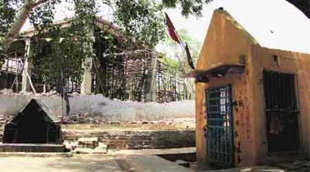 Ballabhgarh Communal tension: At heart of dispute lie a temple and half-builtmosque