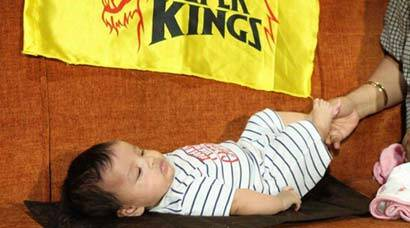 MS Dhoni's daughter Ziva is CSK's most loyal fan