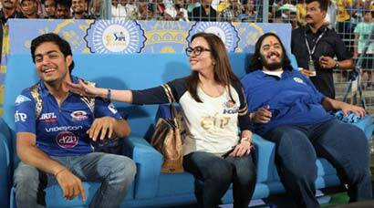 Happy owners! Neeta Ambani, sons Akash and Anant are all smiles after MI win
