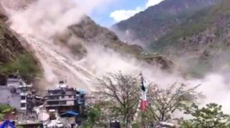 Landslide after earthquake caught on camera. (Source: Youtube screen grab)