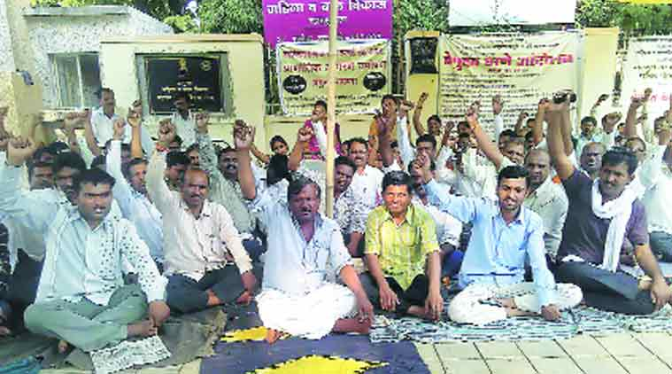 The dues amount to Rs 125 crore, say the protesting representatives of the organisations