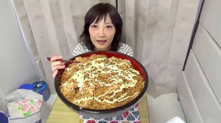 trending video, viral video, Noodles video, weird videos, Noodles, Japanese girl noodles video, japanse girl eats noodles, world news, asia news, indian express news