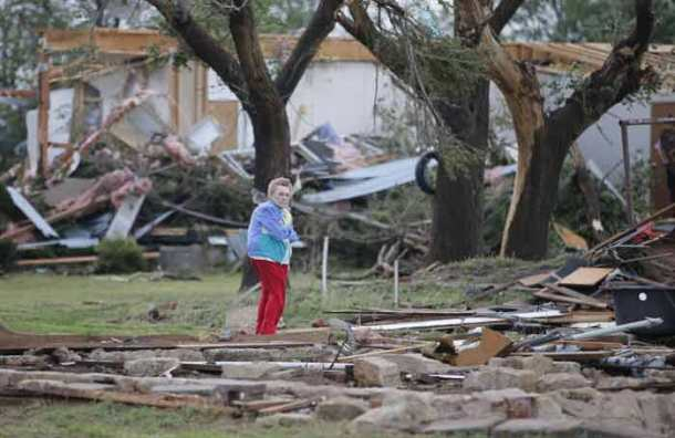 Series of tornadoes flip cars, down power lines in Oklahoma